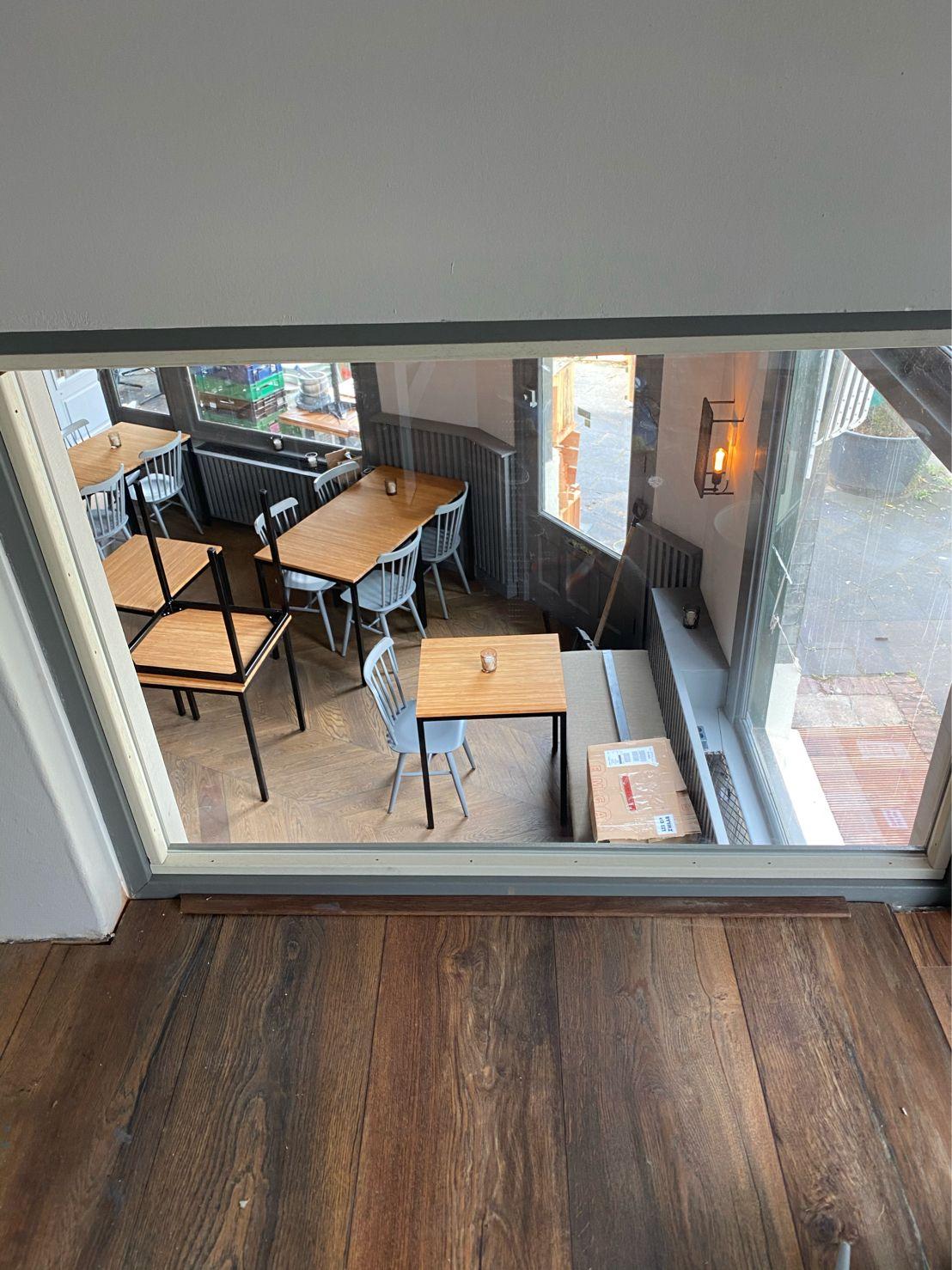 In portfolio staat glasservice van Glas- & Schildersbedrijf Marc Hellegers voor Renato's Nijmegen